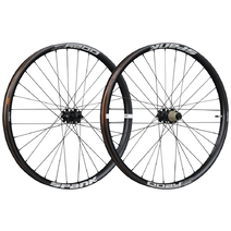 Spank Oozy Trail 395+ Boost Front Wheel 27.5in 32H Black
